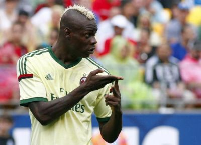 Balotelli 'will lose £2million a year if he misbehaves at Liverpool