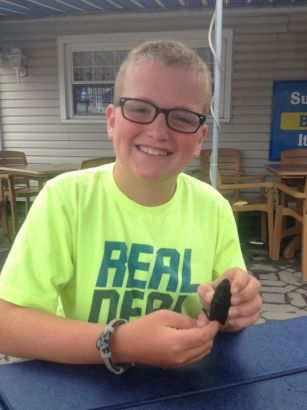 Boy finds 10,000-year-old arrowhead on beach