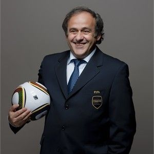Platini will not stand against Blatter for Fifa presidency