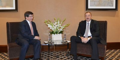 President Ilham Aliyev phones Turkish PM Ahmet Davutoglu