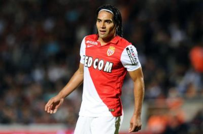 Manchester United agree £51million deal to sign Falcao