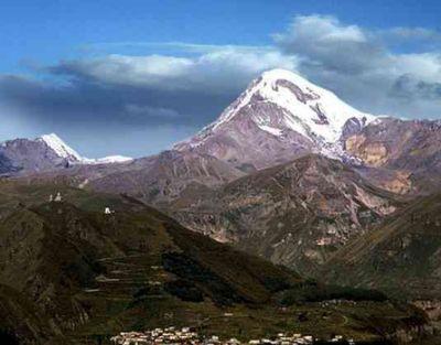 Azerbaijani climbers to conquer Mount Kazbek