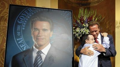 Schwarzenegger returns to Capitol to unveil portrait