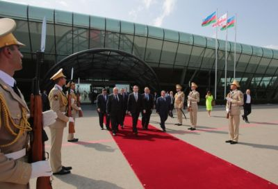 Georgian PM ends official visit to Azerbaijan