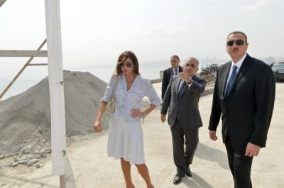 President Ilham Aliyev and his spouse reviewed the Baku White City Boulevard PHOTO