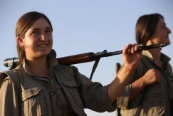 Kurdish female fighters face jihadists in Iraq's north