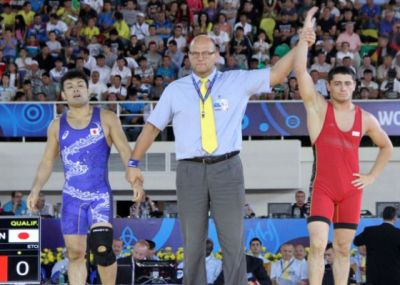 Azerbaijani wrestler grabs world Greco-Roman bronze PHOTO