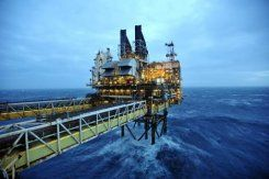 Oil prices hold steady before Fed meeting