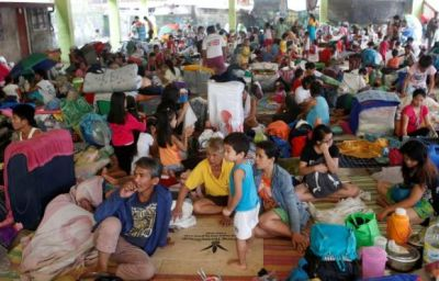 Storm leaves 200,000 displaced in Philippines
