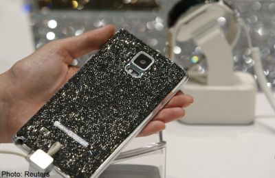 Samsung launches Note 4 phablet