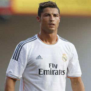 Man United close in on £140m transfer deal to sign Cristiano Ronaldo