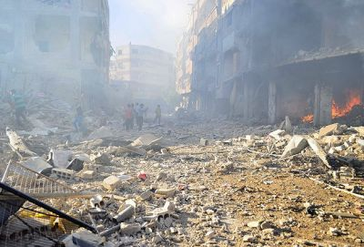 25 die in attacks by Syrian regime in Damascus