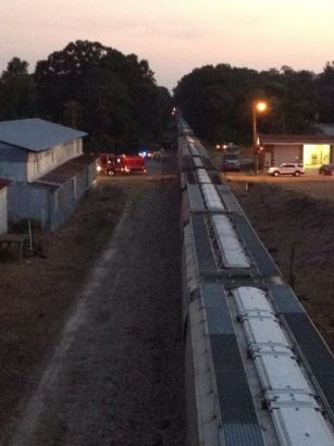 Man, child struck and killed by train in Mississippi