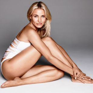 Cameron Diaz : I'm living, and not thinking what I should or shouldn't be doing with my life