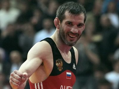 Russian wrestling legend praises Azerbaijan`s sports policy