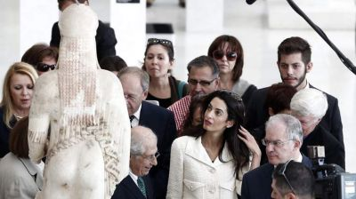 Amal Clooney urges UK to return Elgin Marbles