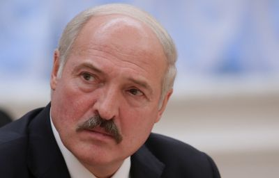 Lukashenko blames Yanukovych for crisis in Ukraine