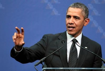 Obama signs ID theft plan after his credit card declined