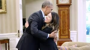 Ebola-free nurse visits Obama PHOTO