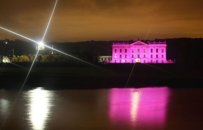 Iconic UK landmarks turn pink for Breast Cancer Campaign  PHOTO
