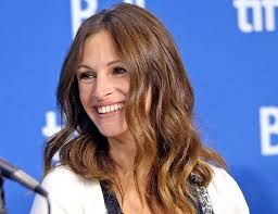 Julia Roberts: I've risked my career by not having cosmetic surgery