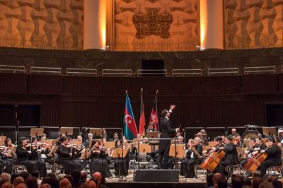 Azerbaijan State Symphony Orchestra performs in Hannover