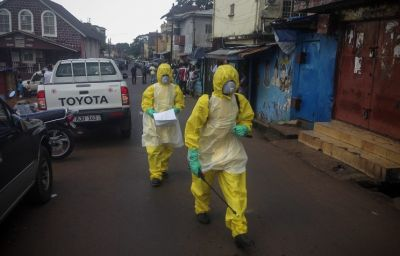 Number of Ebola cases hits 13,700:  WHO