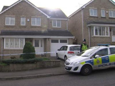 Mum and two daughters died from stab wounds