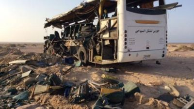 Egypt school bus collides with tanker, 18 dead
