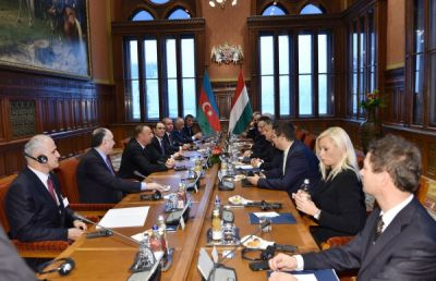 President Ilham Aliyev and Hungarian PM held an expanded meeting