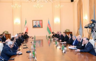 President Ilham Aliyev and Iranian President Hassan Rouhani held an expanded meeting