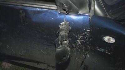 Qazinin avtomobili yol kənarına yuvarlandı