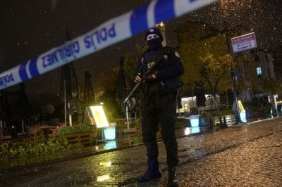 Female suicide bomber hits Istanbul