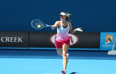 Sharapova advances to 3rd round of Australian Open