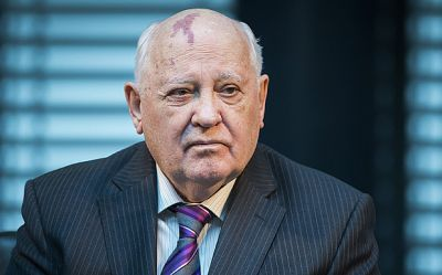 Gorbachev gives a warning of military conflict