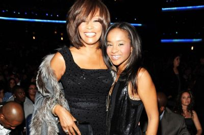 Family to let Whitney Houston's daughter die