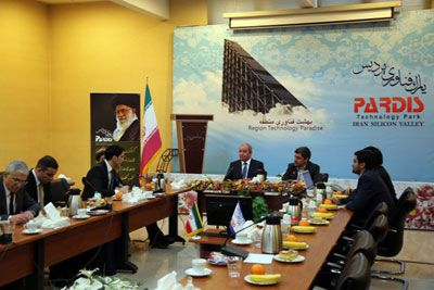 Azerbaijan, Iran discuss prospects of cooperation in technology parks