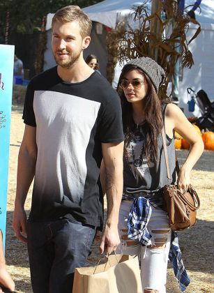 Calvin Harris splits from girlfriend