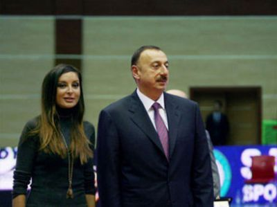 President attends opening of Baku Aquatics Centre
