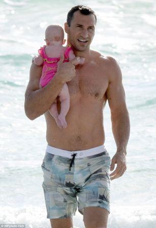 Klitchko's having fun with daughter  PHOTO