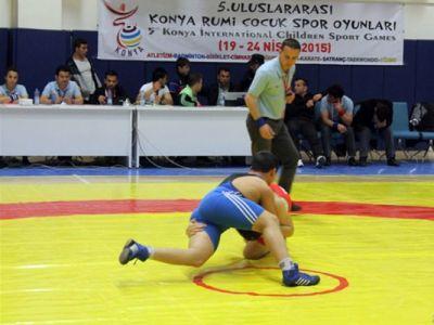 Azerbaijani wrestlers claim 12 medals