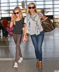 Reese Witherspoon poses with daughter