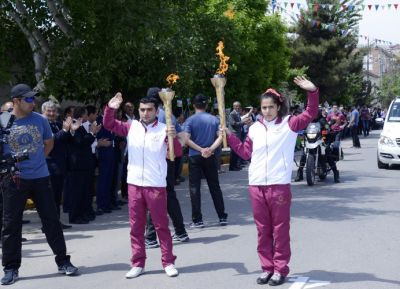 Baku 2015 Journey of the Flame arrives in Salyan