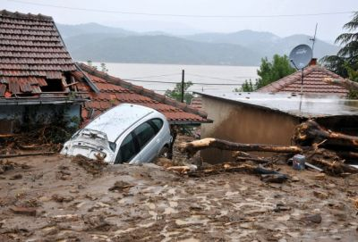 Colombian river bursts, 57 dead