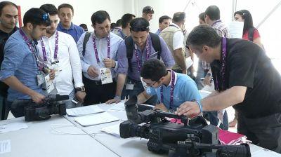 Представителям СМИ, прошедшим регистрацию в связи с первыми Европейскими играми, вручены соответствующие удостоверения