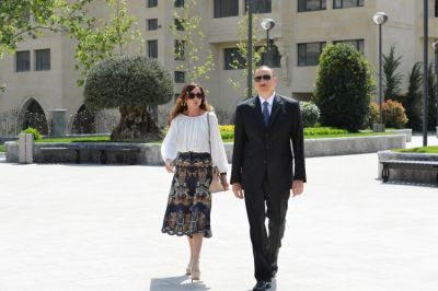 President  and his spouse reviewed a newly-built park near Azerbaijan National Conservatory