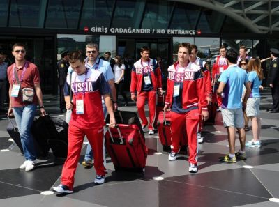 Russian athletes arrive in Baku
