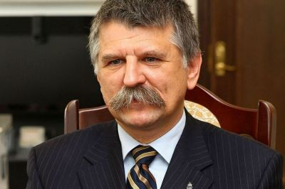 Hungarian Speaker pays respect to Azerbaijani National Leader