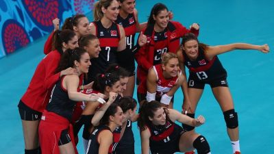 Turkey women's volleyball team pass the quarter-finals of the f