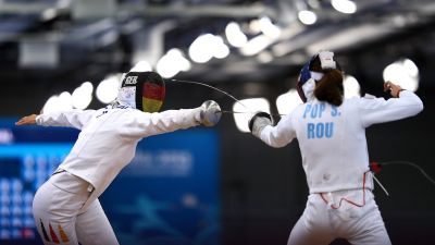 Pop fails to sparkle in women's individual epee